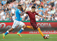 Calcio, Serie A: Napoli vs Roma. Napoli, stadio San Paolo, 15 ottobre. <br /> Roma's Stephan El Shaarawy, right, is challenged by Napoli's Allan during the Italian Serie A football match between Napoli and Roma at Naples' San Paolo stadium, 15 October 2016. Roma won 3-1.<br /> UPDATE IMAGES PRESS/Isabella Bonotto