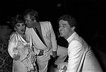 GINA LOLLOBRIGIDA CON MASSIMO GARGIA E CHRISTIAN DE SICA - JACKIE O' ROMA 1981