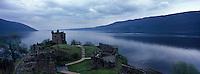 "Europe/Grande-Bretagne/Ecosse/Highland/Loch Ness : Château d'Urquhart Castel"" sur le Loch Ness"