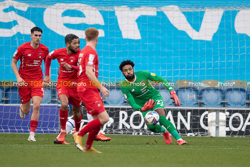 Brian Ifeanyi, Leyton Orient, rolls the ball out quickly during Colchester United vs Leyton Orient, Sky Bet EFL League 2 Football at the JobServe Community Stadium on 14th November 2020