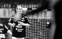 EHF Champions League Handball Damen / Frauen / Women - HC Leipzig HCL : SD Itxako Estella (spain) - Arena Leipzig - Gruppenphase Champions League - im Bild: Sara Eriksson. porträt portriat sw schwarzweiß. Foto: Norman Rembarz .