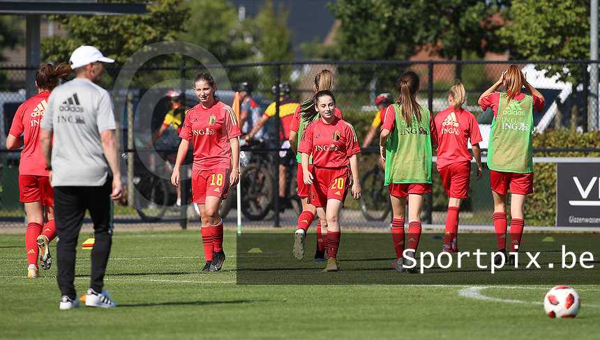 Belgian players during the warm up before an international friendly female soccer game between the national teams of Belgium , called the Red Flames U17 and the Netherlands on Wednesday 8th of September 2020  in Kalmthout , Belgium . PHOTO SPORTPIX.BE | SPP | SEVIL OKTEM
