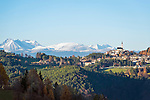 Italy, Alto Adige-Trentino (South Tyrol), Aldino: comune at the South Tyrolean Lowlands, at background Texel Group, Weisskugel mountain and Oetztal Alps | Italien, Suedtirol (Alto Adige-Trentino), Aldein: Gemeinde im Suedtiroler Unterland auf dem Hochplateau des Regglberges mit Texelgruppe, Weisskugel und Oetztaler Alpen im Hintergrund