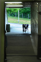 In Canton Ticino, a Biasca, un  bunker, attualmente affidato alla protezione civile elvetica, è stato destinato come centro di accoglienza per donne, minori e famiglie di richiedenti asilo politico e profughi.Il bucato