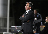 BOGOTA - COLOMBIA -30 -10-2016: Arturo Boyaca coach de La Equidad gesticula durante partido con Millonarios por la fecha 18 de la Liga Aguila II 2016 jugado en el estadio Metropolitano de Techo de la ciudad de Bogota. / Arturo Boyaca coach of La Equidad gestures during match against Millonarios for the date 18 of the Liga Aguila II 2016 played at Metropolitano de Techo Stadium in Bogota city. Photo: VizzorImage / Gabriel Aponte / Staff.