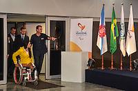 ATENCAO EDITOR:FOTO EMBARGADA PARA VEICULOS INTERNACIONAIS-RIO DE JANEIRO, RJ, 10 SETEMBRO 2012 - CHEGADA DA BANDEIRA PARALIMPICA- O Vice Governador, Luiz Pezao, o Governador Sergio Cabral, o Prefeito Eduardo Paes, Presidente do Comite Olimpico Brasileiro, COB, Carlos Arthur Nuzman e o Presidente do Comite Paralimpico, Andrew Parsons, na coletiva de imprensa da chegada da Bandeira Paralimpica, trazida de Londres pelo Prefeito Euardo Paes junto com a comitiva de atletas paralimpicos, no Aeroporto Internacional Tom Jobim, Galeao, na Ilha do Governador, zona norte do Rio de Janeiro. FOTO: MARCELO FONSECA / BRAZIL PHOTO PRESS.