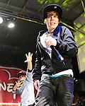 RE Justin Bieber 121409