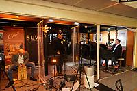 Roy Hammer zu Gast beim Livestream-Pianoabend von Ralf Baitinger mit Andreas Feistl am Cajon - Moerfelden-Walldorf 27.02.2021: Pianoabend mit Ralf Baitinger & Friends