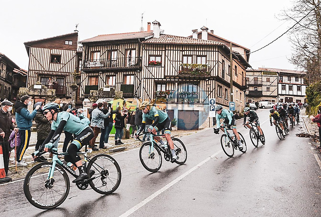The peloton pass through La Alberca during Stage 17 of the Vuelta Espana 2020, running 178.2km from Sequeros to Alto de la Covatilla, Spain. 7th November 2020.  <br /> Picture: Unipublic/Charly Lopez   Cyclefile<br /> <br /> All photos usage must carry mandatory copyright credit (© Cyclefile   Unipublic/Charly Lopez)