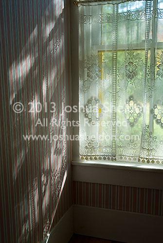 Sunlight coming through window<br />