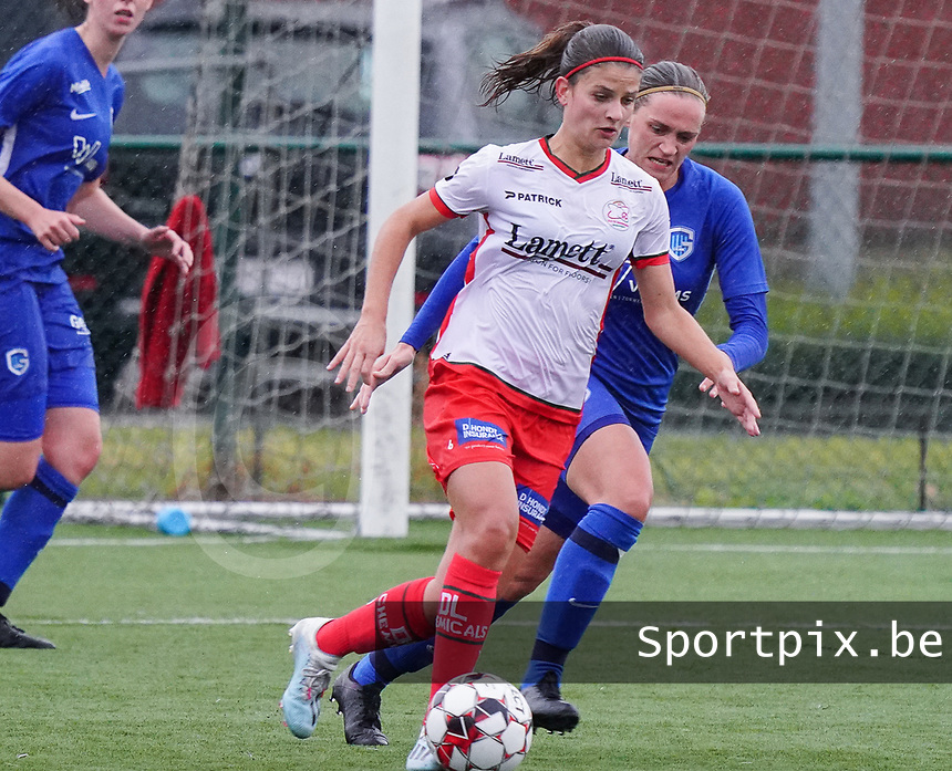 Essevee's Amber De Priester (6) (L)  and Genk's Dorien Groven (4) (R) in action during a female soccer game between the women teams of Zulte Waregem A Dames and KRC Genk Ladies B on the 1/16 th qualifying round for the Belgian Womens Cup 2020  2021 , on saturday 26 th of September 2020  in Zulte , Belgium . PHOTO SPORTPIX.BE | SPP | SEVIL OKTEM