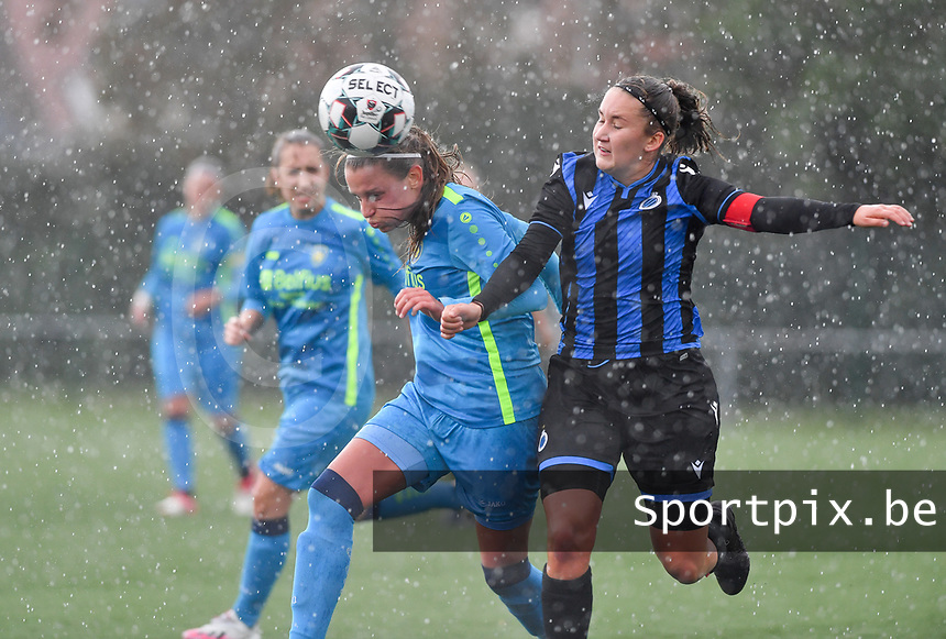 Union's Lisa Despret pictured in a fight for the ball with Brugge's Ellen Martens during a female soccer game between the women teams of Club Brugge YLA Dames and Union Saint-Ghislain Tertre-Hautrage Ladies on the 1/16 th qualifying round for the Belgian Womens Cup 2020  2021 , on saturday 26 th of September 2020  in Brugge , Belgium . PHOTO SPORTPIX.BE | SPP | DAVID CATRY
