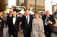Le premier ministre Bernard Landry lors de la cloture du  Festival des Films du Monde, 4 septembre 2001<br /> <br /> PHOTO : <br />  - Agence Quebec Presse<br /> <br /> NOTE : Les ajustements finaux, recadrage et retouche des poussieres seont effectuées sur les images commandées.