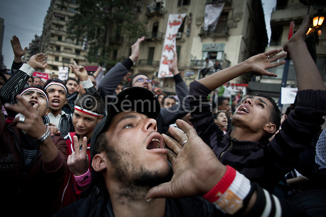 Remi OCHLIK/IP3 -  Protesters shout slogans during a demonstration against the Egyptian military council in Tahrir square in Cairo November 27, 2011. Protesters gathered again in Cairo's Tahrir Square on Sunday to try to evict the generals who replaced Hosni Mubarak, in a trial of strength that has muddied the run-up to Egypt's first vote since a popular revolt deposed the former leader. CAIRO — Protesters gathered again in Cairo's Tahrir Square on Sunday to try to evict the generals who replaced Hosni Mubarak, in a trial of strength that has muddied the run-up to Egypt's first vote since a popular revolt deposed the former leader.