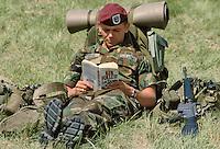 - exercisies of NATO  mobile force of ready intervention AMF (Mobile Allied Force) in east Turkey, US parachutist ....- esercitazioni della forza mobile NATO di pronto intervento AMF (Allied Mobile Force) in Turchia orientale, paracadutista USA