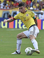 BARRANQUILLA - COLOMBIA - 10-11-2016:  James Rodriguez jugador de Colombia en acción durante partido entre Colombia y Chile por la fecha 11 de la clasificatoria a la Copa Mundial de la FIFA Rusia 2018 jugado en el estadio Metropolitano Roberto Melendez en Barranquilla./ James Rodriguez player of Colombia in action during the match between Colombia and Chile for the date 11 of the qualifier to FIFA World Cup Russia 2018 played at Metropolitan stadium Roberto Melendez in Barranquilla. Photo: VizzorImage/ Gabriel Aponte / Staff