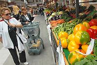 - Eataly, market for the sale of quality Italian food, vegetables department<br /> <br /> - Eataly, market per la vendita del cibo italiano di qualità, reparto verdura ed ortaggi