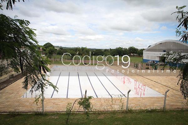 Campinas (SP), 24/01/2020 - Piscina abandonada na Praça de Esportes Jorge Mendonça no Pq. Floresta em Campinas.