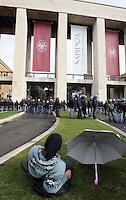Studenti manifestano all'esterno dell'Universita' La Sapienza di Roma, 17 gennaio 2008, durante l'inaugurazione dell'anno accademico..Students demonstrate outside Rome's La Sapienza University, 18 january 2008, during the inauguration of the academic year.. UPDATE IMAGES PRESS/Riccardo De Luca