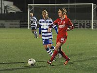 AA GENT LADIES - FC TWENTE :<br /> Voorzet van Jill Roord (R) , terwijl Jessie Taets (L) te laat komt<br /> foto Dirk Vuylsteke / Nikonpro.be
