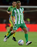 MEDELLÍN - COLOMBIA - 28 - 03 - 2018: Macnelly Torres, jugador de Atletico Nacional, en acción, durante partido de la fecha 11 entre Atletico Nacional y Atletico Huila, por la Liga Águila I 2018, jugado en el estadio Atanasio Girardot de la ciudad de Medellín. / Macnelly Torres, player of Atletico Nacional, in action, during a match of the 11th date between Atletico Nacional and Atletico Huila for the Aguila League I 2018, played at Atanasio Girardot stadium in Medellin city. Photo: VizzorImage / León Monsalve / Cont.