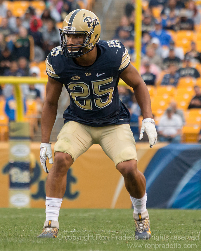 Pitt linebacker Ellijah Zeise. The Pitt Panthers defeated the Youngstown State Penguins 28-21 in overtime at Heinz Field, Pittsburgh, Pennsylvania on September 02, 2017.