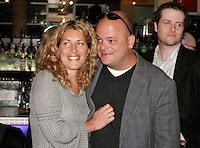Lancement du DVD de l'humoriste Sylvain Larocque (droite) avec  sa femme<br /> photo : Delphine Descamps (c) Images Distribution