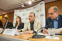 Pressegespraech zur Verleihung des 9. Amnesty Menschenrechtspreises am 16. April 2018 in Berlin.<br /> Amnesty International vergibt den Menschenrechtspreis 2018 an das Nadeem-Zentrum in Kairo als ein Zeichen gegen Folter in Aegypten.<br /> Stellvertretend fuer das Nadeem-Zentrum nahm der aegyptische Arzt und Menschenrechtsaktivist Taher Mukhtar entgegen, da die Betreiber des Zentrums nicht aus Aegypten ausreisen duerfen.<br /> Im Bild vlnr.: Markus N. Beeko, Generalsekretaer von Amnesty International in Deutschland; Sara Fremberg, Pressesprecherin Amnesty International Deutschland; Taher Mukhtar, aegyptischer Arzt und Menschenrechtsaktivist – er nimmt den Amnesty-Menschenrechtspreis stellvertretend fuer das Nadeem-Zentrum entgegen; Dolmetscher.<br /> 16.4.2018, Berlin<br /> Copyright: Christian-Ditsch.de<br /> [Inhaltsveraendernde Manipulation des Fotos nur nach ausdruecklicher Genehmigung des Fotografen. Vereinbarungen ueber Abtretung von Persoenlichkeitsrechten/Model Release der abgebildeten Person/Personen liegen nicht vor. NO MODEL RELEASE! Nur fuer Redaktionelle Zwecke. Don't publish without copyright Christian-Ditsch.de, Veroeffentlichung nur mit Fotografennennung, sowie gegen Honorar, MwSt. und Beleg. Konto: I N G - D i B a, IBAN DE58500105175400192269, BIC INGDDEFFXXX, Kontakt: post@christian-ditsch.de<br /> Bei der Bearbeitung der Dateiinformationen darf die Urheberkennzeichnung in den EXIF- und  IPTC-Daten nicht entfernt werden, diese sind in digitalen Medien nach §95c UrhG rechtlich geschuetzt. Der Urhebervermerk wird gemaess §13 UrhG verlangt.]