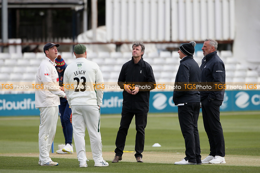 Essex captain Tom Westley (L) and Worcestershire captain Joe Leach at the toss during Essex CCC vs Worcestershire CCC, LV Insurance County Championship Group 1 Cricket at The Cloudfm County Ground on 8th April 2021