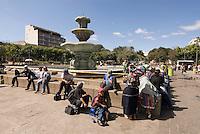 Guatemala, auf der Plaza Mayor vor dem Nationalpalast in Guatemala-City