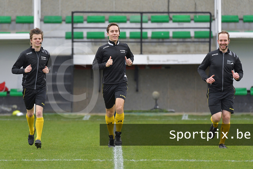 assistant referee Jonas Van Dyck , referee Hannes De Couvreur , assistant referee Jeremy Schlenker pictured during a female soccer game between Eendracht Aalst and Standard Femina de Liege on the 11 th matchday of the 2020 - 2021 season of Belgian Scooore Womens Super League , Saturday 23 of January 2021  in Aalst , Belgium . PHOTO SPORTPIX.BE | SPP | STIJN AUDOOREN