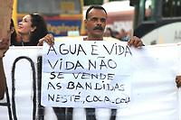 Rio de Janeiro (RJ), 04/02/2020 - Protesto-Rio - Manifestantes protestam contra a agua contaminada e a privatizacao da CEDAE na Central do Brasil, centro do Rio de Janeiro, nesta terca-feia (04). (Foto: Ellan Lustosa/Codigo 19/Codigo 19)
