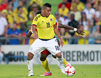 Colombia's Frank Fabra (f) and Cameroon's Olivier Boumal during international friendly match. June 13,2017.(ALTERPHOTOS/Acero) (NortePhoto.com) (NortePhoto.com)
