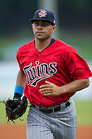 Elizabethton Twins center fielder LaMonte Wade (26) jogs off the field between innings of the game against the Kingsport Mets at Hunter Wright Stadium on July 8, 2015 in Kingsport, Tennessee.  The Mets defeated the Twins 8-2. (Brian Westerholt/Four Seam Images)