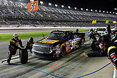 2017 Camping World Truck - NextEra Energy Resources 250<br /> Daytona International Speedway, Daytona Beach, FL USA<br /> Friday 24 February 2017<br /> Myatt Snider, makes a pit stop.<br /> World Copyright: John K Harrelson / LAT Images<br /> ref: Digital Image 17DAY2jh_05086