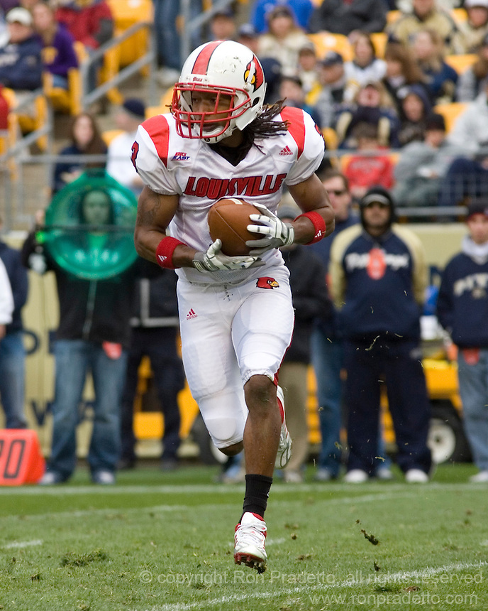 November 08, 2008: Louisville wide receiver Trent Guy. The Pitt Panthers defeated the Louisville Cardinals 41-7 on November 08, 2008 at Heinz Field, Pittsburgh, Pennsylvania.