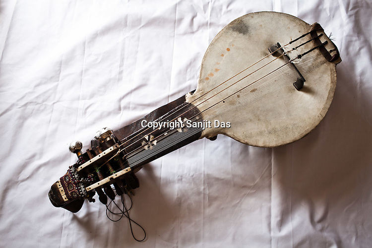 Kamancha, a local Manganiyar instrument is placed for a photo in Hamira village of Jaiselmer district in Rajasthan, India. Photo: Sanjit Das/Panos