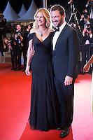 Julia Roberts, Dominic West - CANNES 2016 - DESCENTE DES MARCHES DU FILM 'MONEY MONSTER