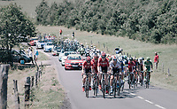 Only 26 km's into the race & Marcel Sieberg (DEU/Lotto-Soudal) paces a 2nd peloton that got dropped earlier with some big-name sprinters in there: Kittel, Bouhani, Greipel,...<br /> <br /> 104th Tour de France 2017<br /> Stage 16 - Le Puy-en-Velay › Romans-sur-Isère (165km)