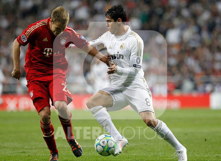 Madrid (25/04/2012).- Estadio Santiago Bernabeu..UEFA Champions League..Real Madrid-Bayern Munchen..Holger Badstuber, Kaka...Photo: Alex Cid-Fuentes / ALFAQUI..