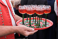 Europe/France/Alsace/67/Bas-Rhin/ Marlenheim: Lors  de la Fête du Mariage de l'Ami Fritz Vin d'honneur avec de l'Alsace Pinot noir rosé durant la cérémonie