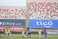BARRANQUILLA – COLOMBIA, 19-09-2020: Real Cartagena y Orsomarso en partido por la fecha 8 del Torneo BetPlay DIMAYOR I 2020 jugado en el estadio Romelio Martinez en la ciudad de Barranquilla. / Real Cartagena and Orsomarsoin match for the for the date 8 as part of BetPlay DIMAYOR Tournament I 2020 played at Romelio Martínez stadium in Barranquilla city. Photos: VizzorImage / Jairo Cassiani / Cont
