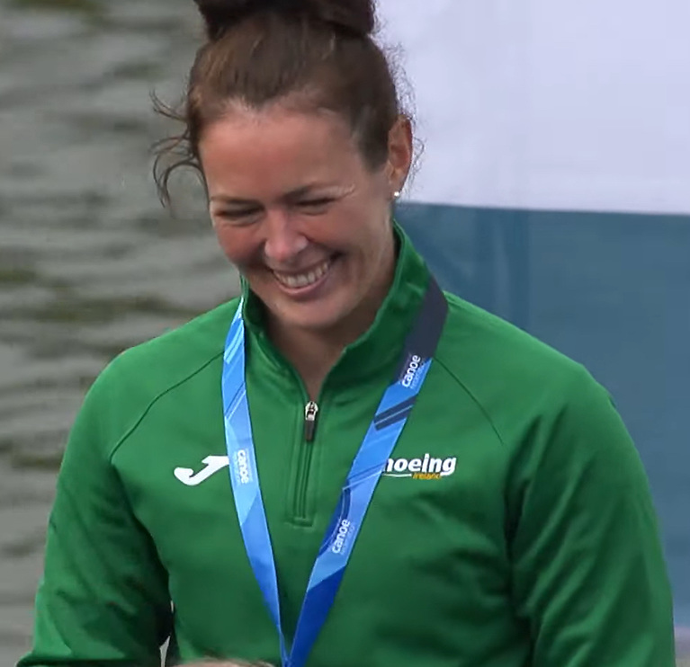 Jenny Egan with her world silver medal