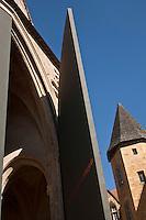 Europe/France/Aquitaine/24/Dordogne/Périgord Noir/Sarlat-la-Canéda: Porte de  l'église Sainte-Marie reconvertie en marché couvert et espace culturel par l'architecte Jean Nouvel, Place de la Liberté - Architecte Jean Nouvel Mention obligatoire