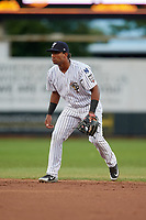 Staten Island Yankees second baseman Ezequiel Duran (25) during a NY-Penn League game against the Aberdeen Ironbirds on August 22, 2019 at Richmond County Bank Ballpark in Staten Island, New York.  Aberdeen defeated Staten Island 4-1 in a rain shortened game.  (Mike Janes/Four Seam Images)