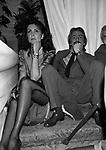 MARINA RIPA DI MEANA CON UBERTO GASCHE<br /> SFILATA ROCCO BAROCCO ROMA 1980