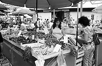 Belgrado, mercato --- Belgrade, market