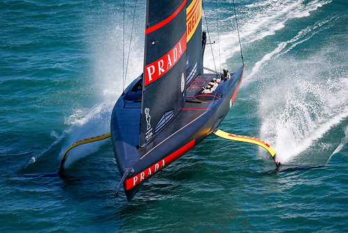 Luna Rossa Prada Pirelli were forced to tack off and head towards the lighter conditions on the left hand side of the course.