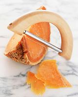 Cuisine/Gastronomie: mimolette étuvée et rabot à fromage
