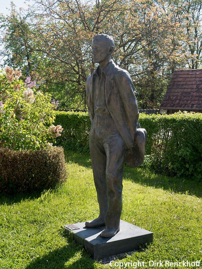 Hermann-Hesse Denkmal in Gaienhofen am Bodensee, Baden-Württemberg, Deutschland, Europa<br /> Monument of Hermann Hesse  in Gaienhofen at lake Constance, Baden-Württemberg, Germany, Europe